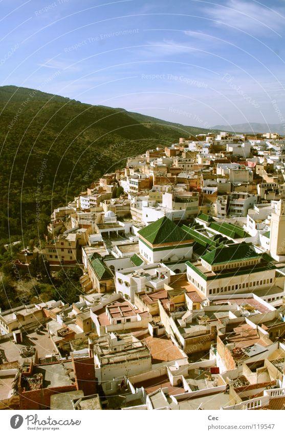 MI vs. MJ Marokko Afrika Stadt Moschee Islam Arabien Religion & Glaube Moslem Allah Dach grün gelb Haus weiß Schönes Wetter Wolken Ferien & Urlaub & Reisen