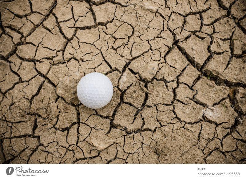 Handicap Natur weiß Einsamkeit Sport Spielen klein braun Freizeit & Hobby Erde rund trocken Suche Ball Wüste Riss Golf