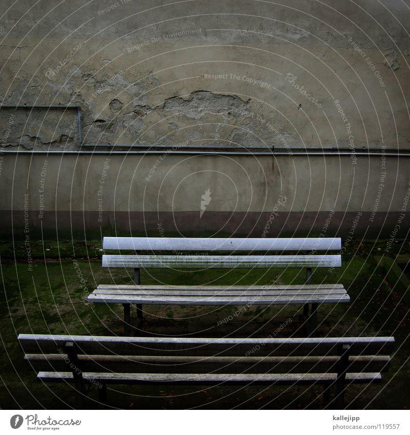 auf die lange bank schieben alt ruhig Einsamkeit Leben Erholung Tod Traurigkeit Mauer Park Linie warten Pause Bank Kabel Freizeit & Hobby Bauernhof