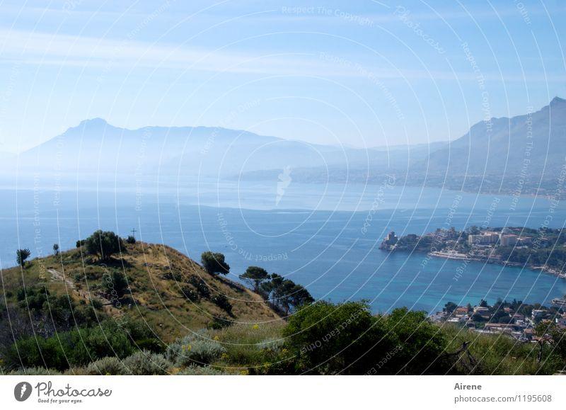kreuzberg Himmel blau Wasser Baum Meer Landschaft Küste Religion & Glaube hell Luft Sträucher frei Schönes Wetter Italien Zeichen Gipfel