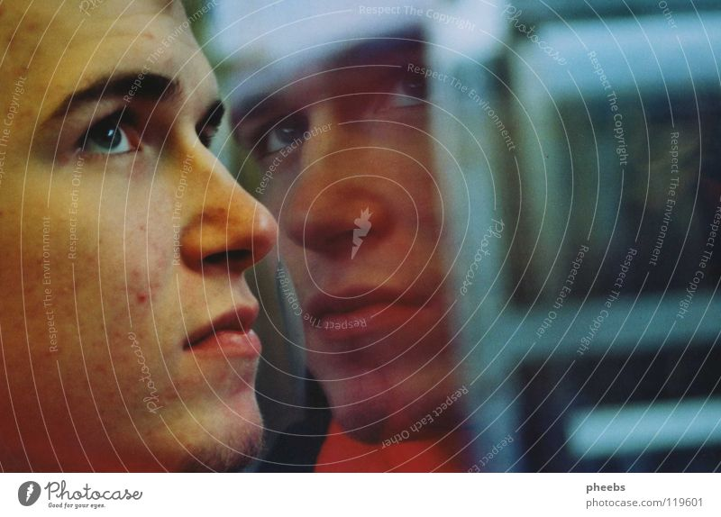 sein zweites ich Mann Jugendliche blau Gesicht Auge Fenster Mund Nase Eisenbahn