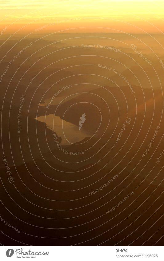 Flying high - Interlaken, Brienzer und Thuner See Ferien & Urlaub & Reisen Sonne rot Landschaft Ferne schwarz Berge u. Gebirge gelb Wärme Herbst fliegen braun