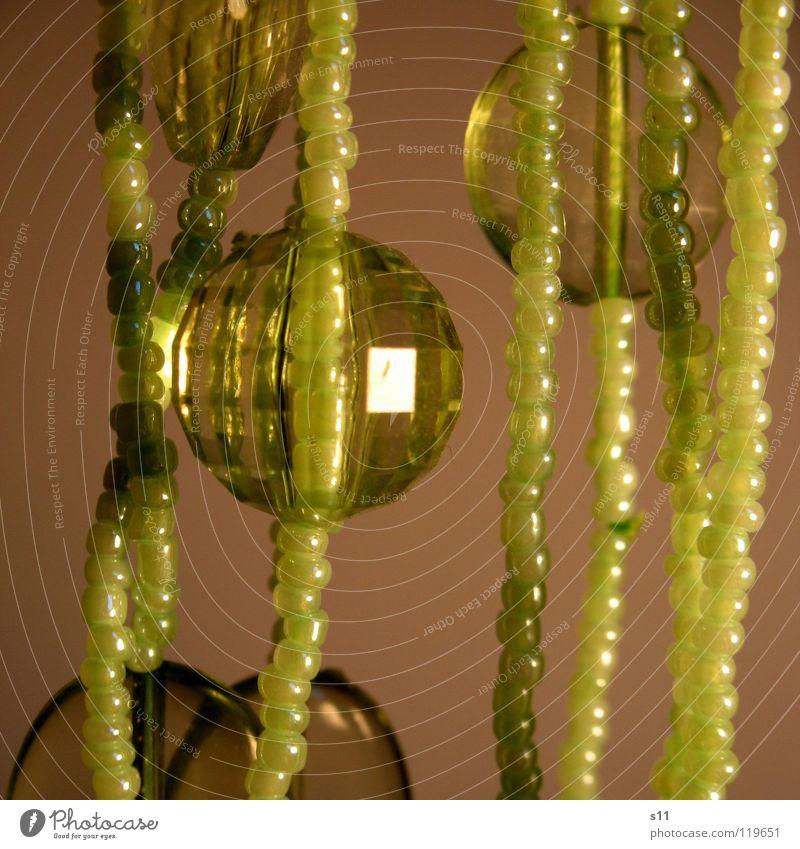 Grüner Schmuck grün glänzend Kitsch Dekoration & Verzierung Kugel Reichtum Schmuck Perle Kette Diamant