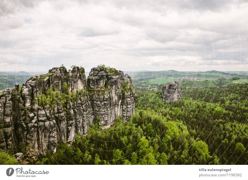 Wanderslust Natur Ferien & Urlaub & Reisen grün Baum Landschaft ruhig Wolken Ferne dunkel Wald Umwelt Berge u. Gebirge Frühling Freiheit Stein Horizont