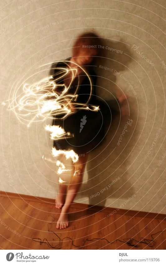 Magic sphere Distanzritt Feuer Brand The girl a spot in movement a shadow a penumbra a line