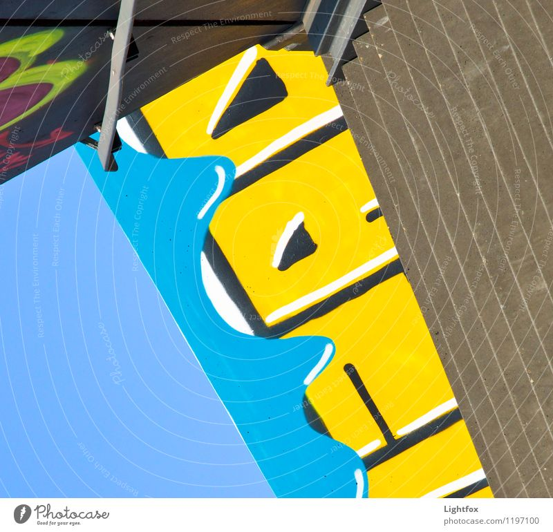 Graf von Fitti Stadtzentrum Brücke Tunnel Gebäude Architektur Mauer Wand Treppe Verkehrswege Fußgänger Beton Zeichen Schriftzeichen Graffiti Diät laufen blau