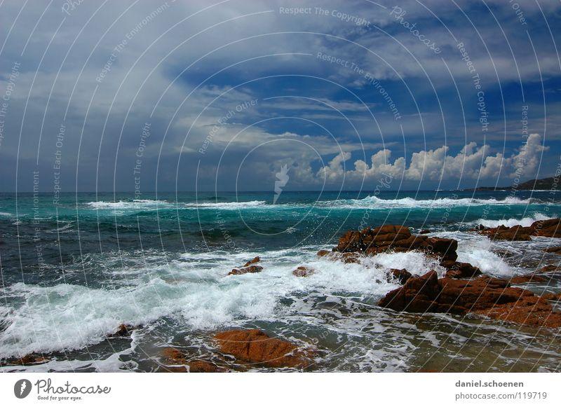 schönes Wetter sieht so aus ! Himmel weiß Meer blau rot Sommer Strand Ferien & Urlaub & Reisen Wolken Einsamkeit Sand Wellen Küste Hintergrundbild Horizont