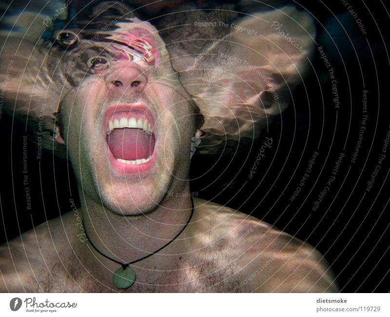Stummer Schrei Mann Wasser Angst gefährlich Zähne Schwimmbad schreien gruselig Unterwasseraufnahme Panik Thriller abstrakt Wasseroberfläche
