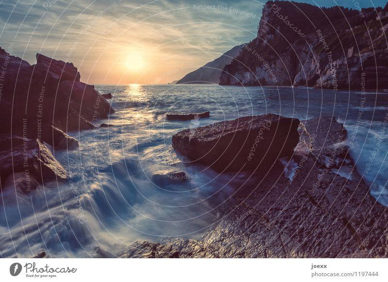 Meditation Himmel Natur Ferien & Urlaub & Reisen blau schön Sommer Wasser Sonne Meer Wolken schwarz Küste braun Felsen Horizont orange
