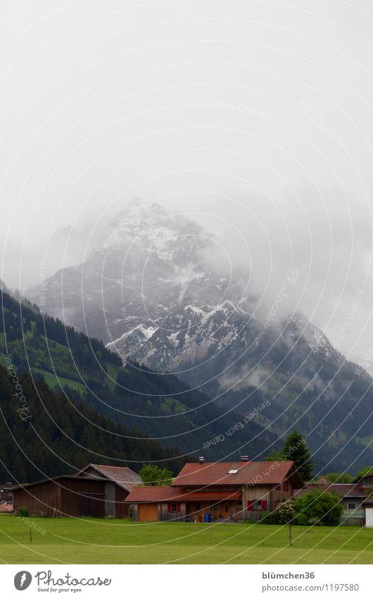 Allgäu im Mai Natur Landschaft Himmel Frühling Wetter Schnee Berge u. Gebirge Rubihorn Oberstdorf Allgäuer Alpen Dorf Haus Einfamilienhaus Abenteuer