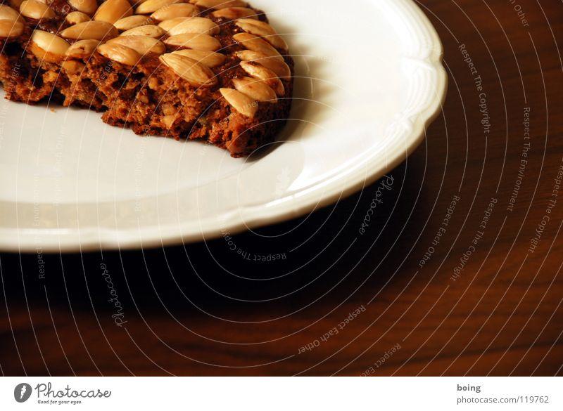 une petite pontchen pâte ainsi que en pony Kakao Milchkaffee Lebkuchen Mandel Nuss Teller gebrochen Teilung Teigwaren Kuchen hart Ernährung Backwaren Zimt