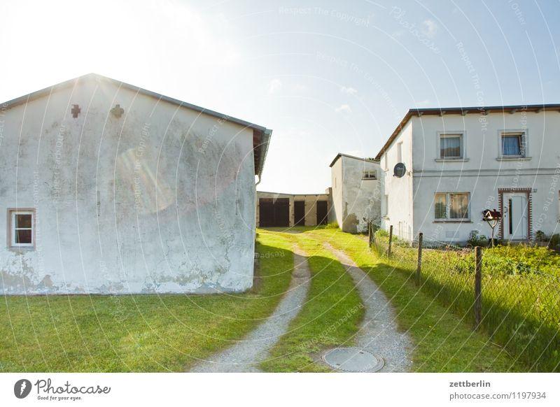 Baabe Ferien & Urlaub & Reisen Sonne Haus Fenster Reisefotografie Wiese Gras Gebäude Fassade Tourismus Ostsee Spuren Wohnhaus Bauernhof Eingang Rügen