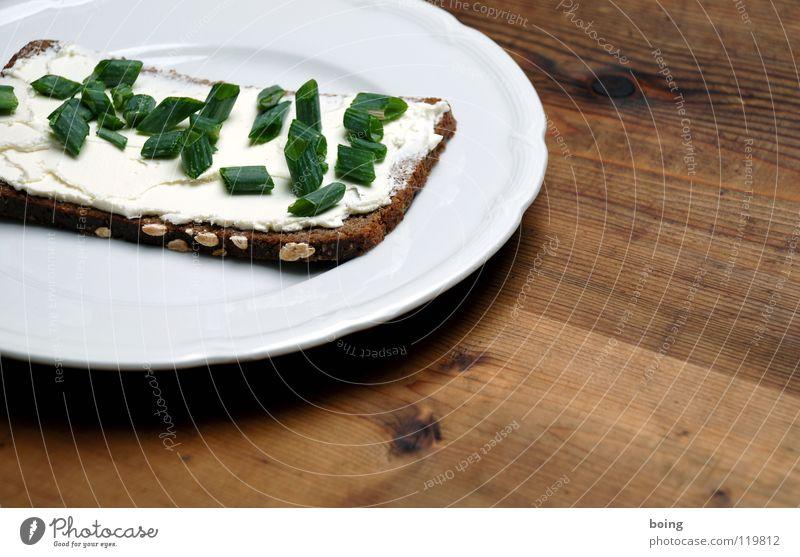 Riesenschnittlauch-Käsebrot Brot Belegtes Brot Vesper Frischkäse Quark Schalotten Schnittlauch Schwarzbrot Vollkorn Haferflocken Kanapee Abendessen Teller Küche