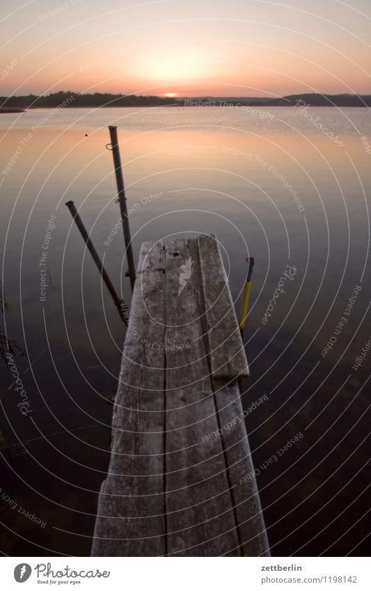 Steg Himmel Ferien & Urlaub & Reisen Meer Landschaft ruhig Ferne Reisefotografie Traurigkeit See Horizont Tourismus Wind Textfreiraum Ostsee Steg Anlegestelle