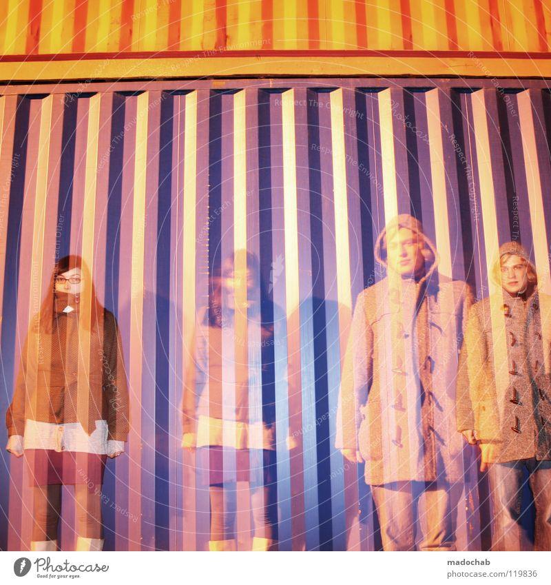 TOTAL AUSRASTEN Frau Mensch Mann Winter Stil Mode Paar mehrere Lifestyle Industrie trashig Geister u. Gespenster Container Liebeskummer geisterhaft