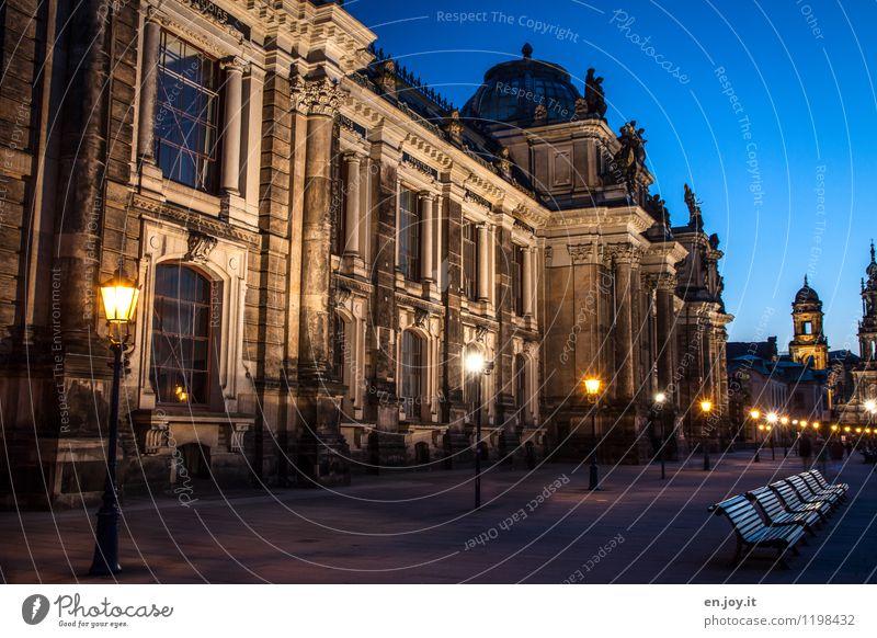 Lichterkette Ferien & Urlaub & Reisen Stadt blau Gebäude Deutschland Fassade leuchten Tourismus gold Ausflug Kirche Turm historisch Bauwerk Bank Laterne