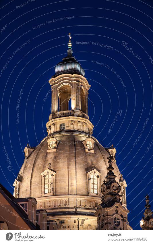 geschichtsträchtig Ferien & Urlaub & Reisen Tourismus Sightseeing Städtereise Nachthimmel Dresden Sachsen Deutschland Kirche Turm Gebäude Kuppeldach