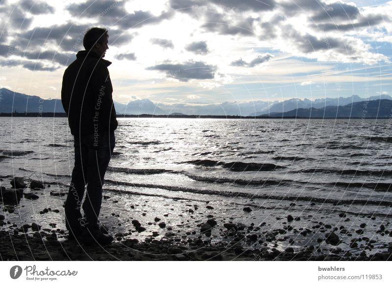 Fernsicht Mann Wasser Himmel Wolken Ferne Berge u. Gebirge See Stimmung Wellen Küste Alpen Bodensee