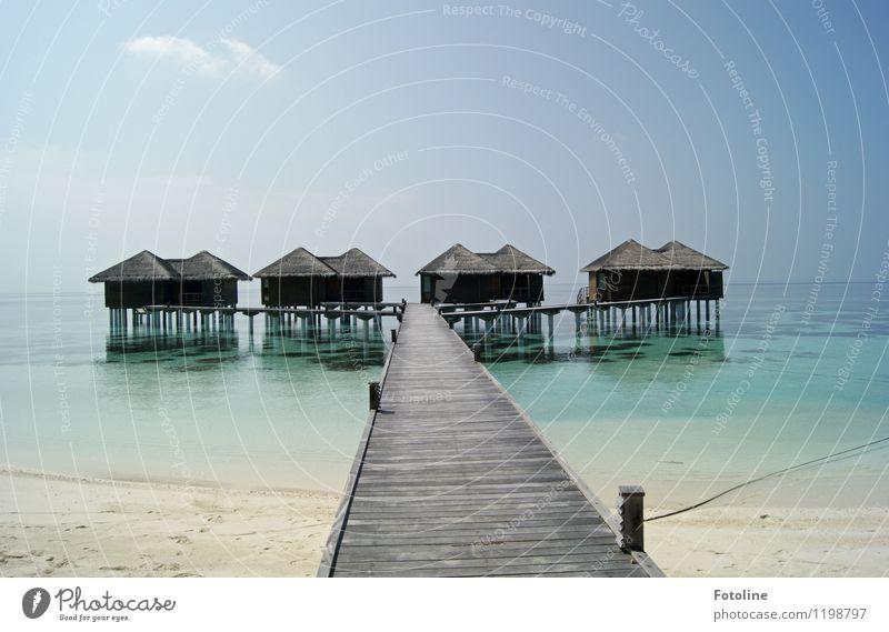 Traumurlaub! Umwelt Natur Landschaft Urelemente Sand Wasser Himmel Wolken Sommer Küste Strand Meer Insel Menschenleer Haus Hütte Brücke nass natürlich Wärme