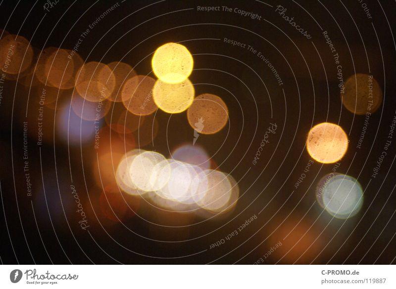urban blur night lights II Unschärfe träumen Ampel Leuchtreklame Licht rot gelb Lichtpunkt abstrakt Hintergrundbild Farbe Straße orange Reflektionen