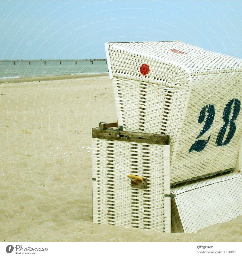 achtundzwanzig Himmel Meer Strand Ferien & Urlaub & Reisen ruhig Ferne Sand Küste Freizeit & Hobby Ziffern & Zahlen Ostsee Strandkorb Darß Prerow