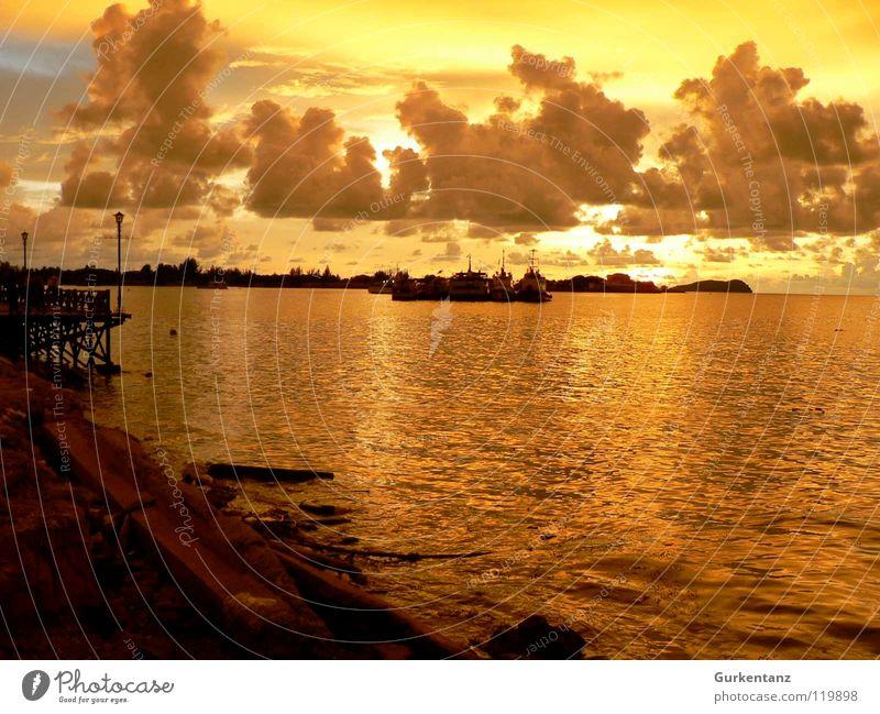 Borneos Gold Malaysia Promenade Sonnenuntergang Wasserfahrzeug Wolken Abenddämmerung Küste Anlegestelle Meer Hafen Strand kota kinabalu gold schön