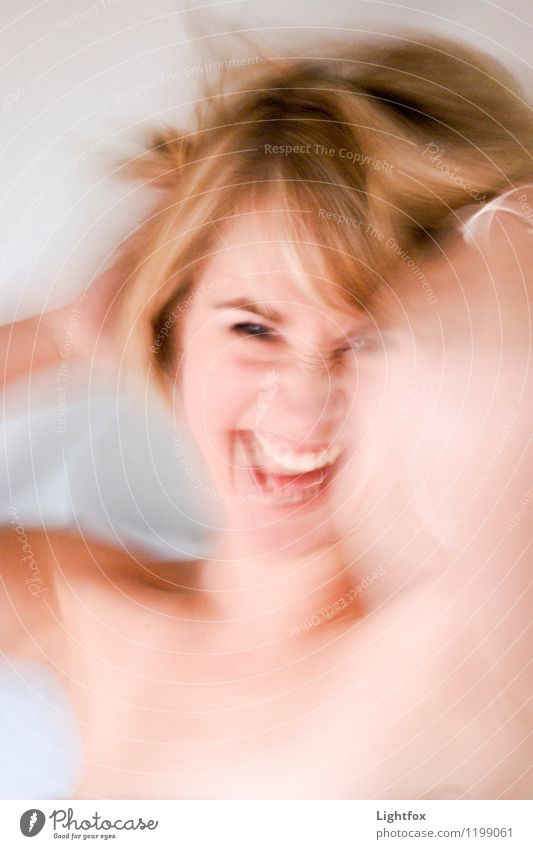 Happy Mensch Frau Jugendliche alt schön Erotik 18-30 Jahre Erwachsene Leben feminin lachen Feste & Feiern Kunst rosa blond verrückt