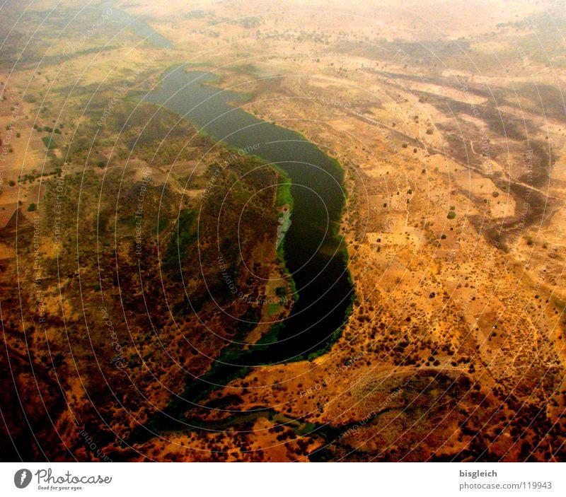 Kamerun von oben III Einsamkeit Ferne Freiheit Sand Flugzeug fliegen Erde Fluss Afrika Wüste Bach Flussufer