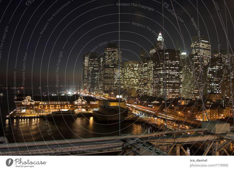 Pier 17 - New York II Wasser Nachthimmel Fluss Stadtzentrum Skyline Hafen Brücke Verkehr Straßenverkehr dunkel Hängebrücke Lichtpunkt Brooklyn Amerika