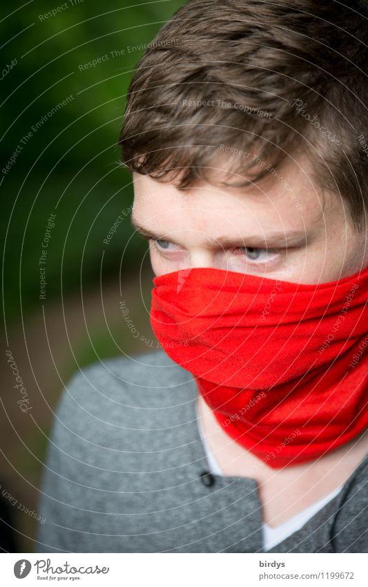 Junger Mann mit Mund- Nasenschutz, rotes Tuch um Mund und Nase Stil Abenteuer maskulin Jugendliche 1 Mensch 13-18 Jahre Kind 18-30 Jahre Erwachsene Halstuch