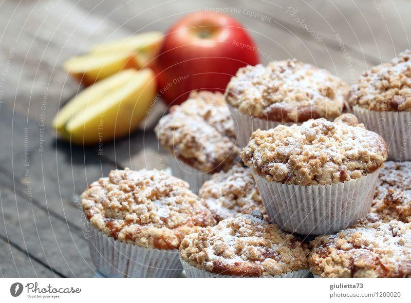 Apfel Streusel Muffins weiß Erholung rot Gesunde Ernährung gelb natürlich Essen Gesundheit Glück Garten Lebensmittel Zufriedenheit genießen Lebensfreude lecker Wohlgefühl