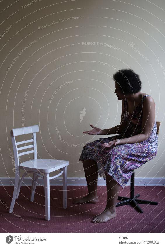 white chair | coloured woman (II) Mensch Frau Erwachsene Leben Raum Kommunizieren Kleid Stuhl Wut Konzentration Stress Locken Konflikt & Streit Verzweiflung