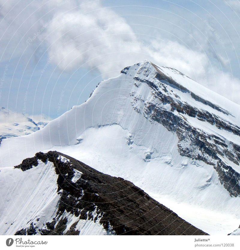 Big Mountain III kalt Wolken Eis wandern Bergsteigen weiß Schweiz Berge u. Gebirge Himmel Schnee snow Felsen Wind schneidig Klettern blau