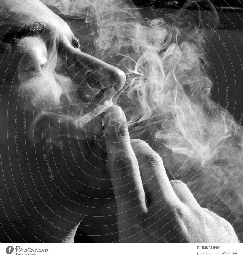 jonny Rauchen Joint Mann schwarz grau weiß Hand Finger Fingernagel rauchend Silhouette Porträt Augenbraue Kinn Bart Erholung Freizeit & Hobby geschlossen Licht