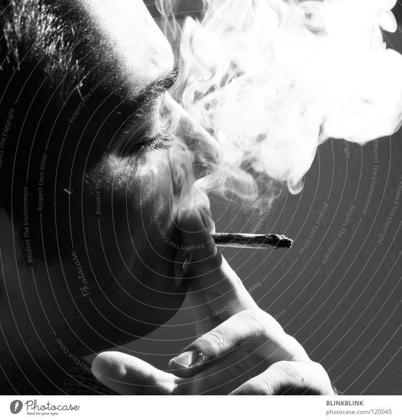 jonny II Rauchen Joint Mann schwarz grau weiß Hand Finger Fingernagel rauchend Silhouette Porträt Augenbraue Kinn Bart Sonne Erholung Freizeit & Hobby