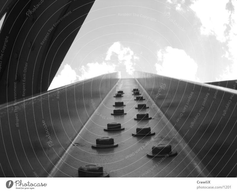 roehre Himmel Architektur Eisenbahn