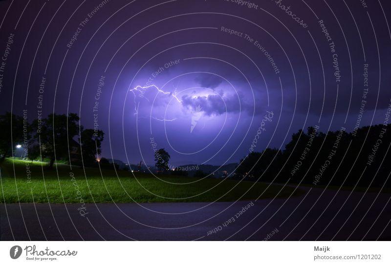 electric avenue Umwelt Natur Landschaft Urelemente Luft Wasser Himmel Wolken Gewitterwolken Nachthimmel Frühling Klima Wetter schlechtes Wetter Unwetter Wind