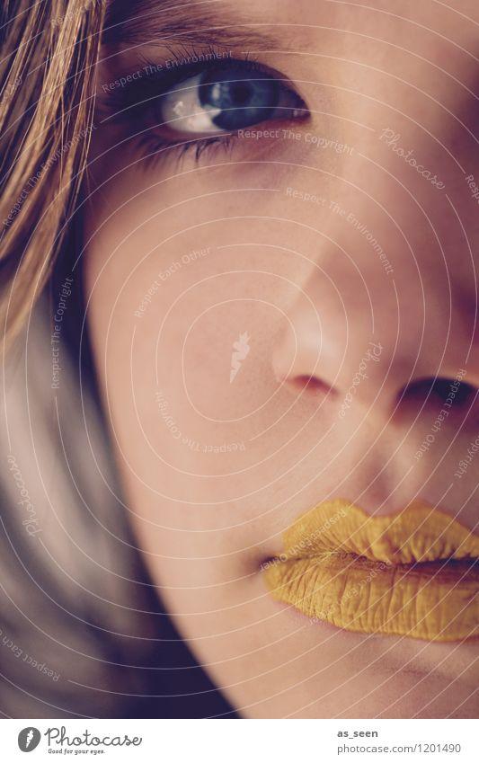 Golden girl II Mensch Kind Natur Jugendliche blau schön Farbe Junge Frau Erotik Mädchen gelb Auge Leben feminin Kunst Mode