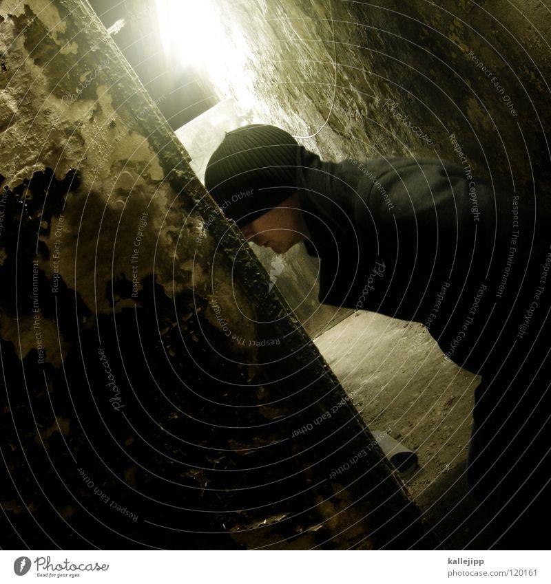 geheimratsecke dunkel einzeln geheimnisvoll Verzweiflung Gasse Sorge negativ 1 Mensch Ein Mann allein