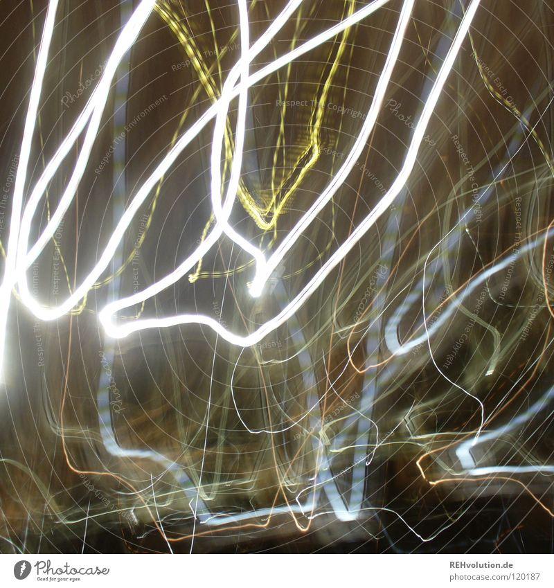 ehm ... LICHTER! ohne Stativ =) Lampe dunkel Linie hell lustig Alkoholisiert Verschiedenheit durcheinander grell schwingen strahlend Wellenlinie