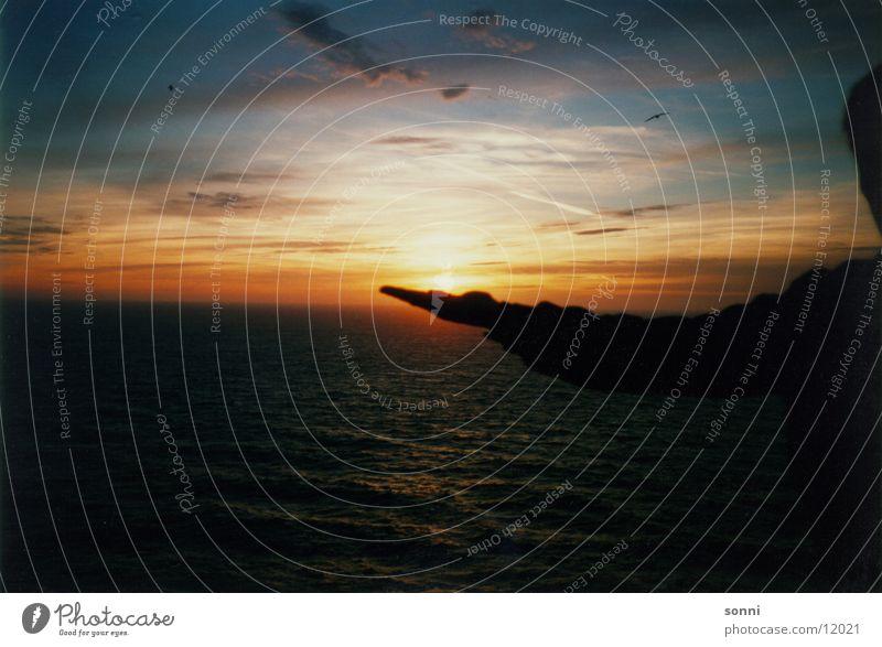 Sonnenuntergang Hand Wasser Himmel Meer Abenddämmerung
