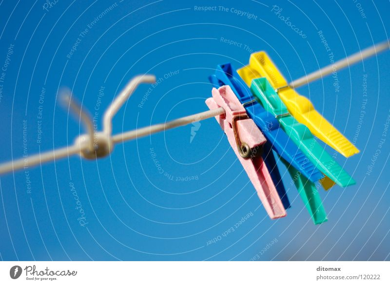 No Laundry Himmel gelb Haushalt Farbe obskur Colorful abstract blue clip clothespin laundry line red sky knot