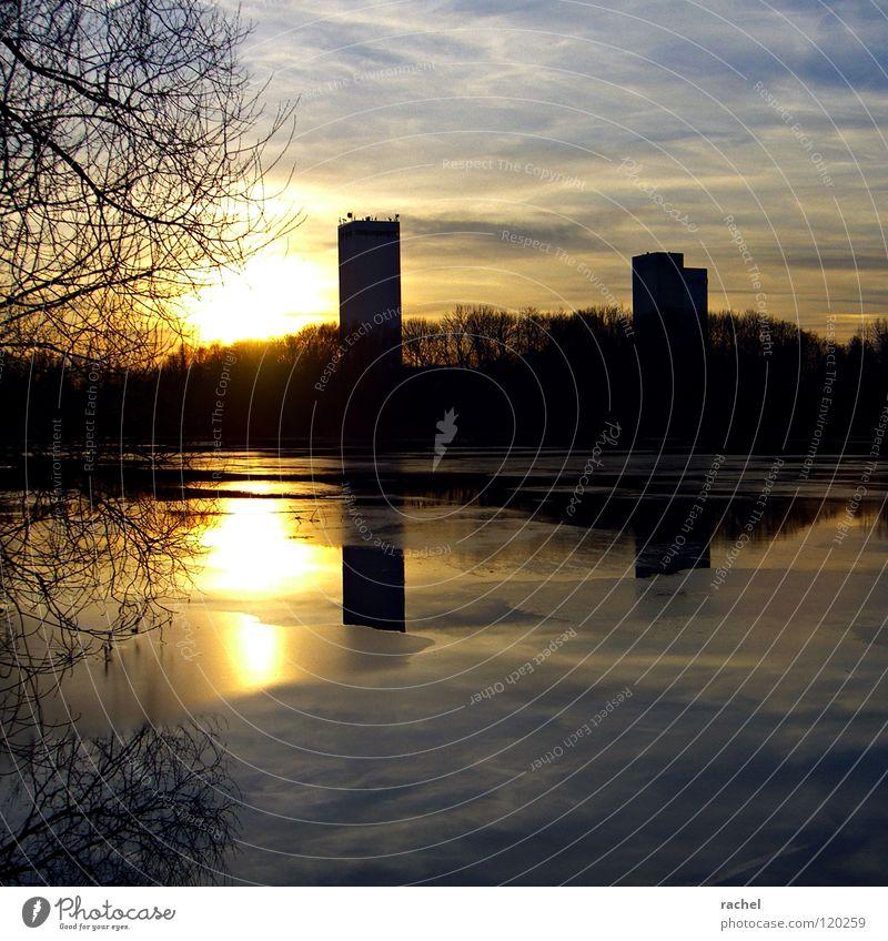 südsee skyline sundowner harmonisch Winter Landschaft Himmel Wolken Horizont Wetter Eis Frost Baum Sträucher Küste Turm Gebäude frieren kalt Kitsch gold