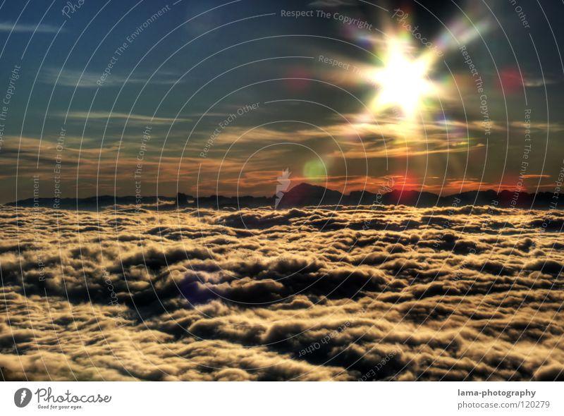 Sunshine live !! Sonne Sonnenstrahlen blenden Wolken Nebel Regenwolken Watte über den Wolken Aussicht Flugzeug Sonnenuntergang Sonnenaufgang Romantik Stimmung