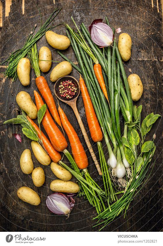 Kochen mit frischem, regionalem Gemüse. Gesunde Ernährung Leben Stil Hintergrundbild Foodfotografie Lebensmittel Design Kräuter & Gewürze Bioprodukte