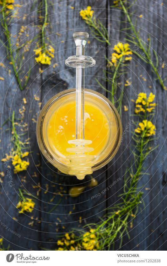 Raps Honig mit frischen Blüten blau Pflanze Blume Blatt Gesunde Ernährung Leben Stil Lebensmittel Design Glas Süßwaren Bioprodukte Dessert