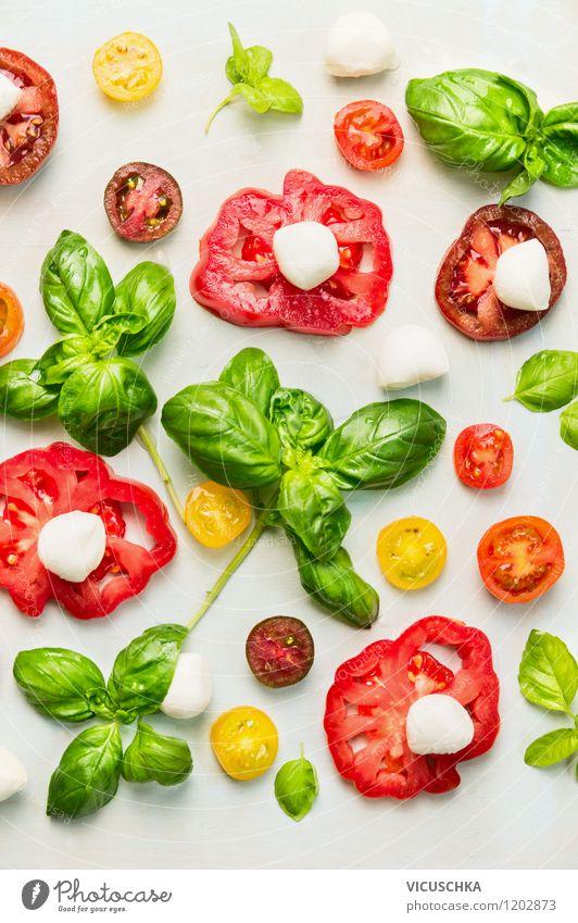 Tomaten, Mozzarella und Basilikum Lebensmittel Käse Gemüse Salat Salatbeilage Kräuter & Gewürze Ernährung Mittagessen Bioprodukte Vegetarische Ernährung Diät