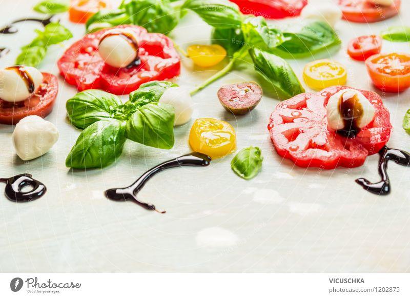 Appetit auf Sommer: Tomaten und Mozzarella Lebensmittel Gemüse Kräuter & Gewürze Öl Ernährung Mittagessen Bioprodukte Vegetarische Ernährung Diät