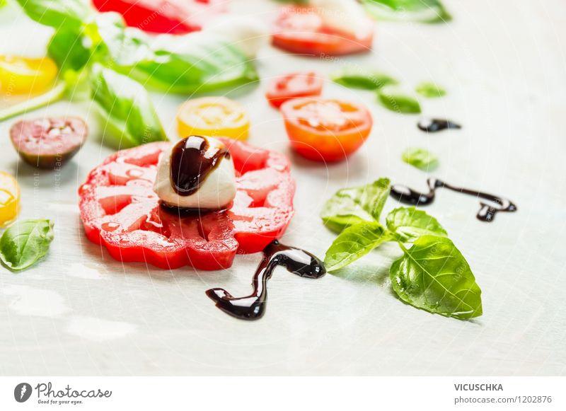 Tomaten mit Mozzarella und Balsamico Essig Sommer Gesunde Ernährung Leben Stil Hintergrundbild Lebensmittel Design frisch Tisch einfach Kräuter & Gewürze Küche