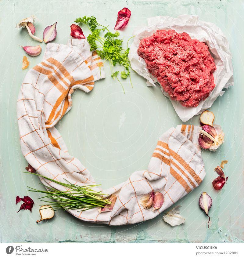 Hackfleisch, Küchentuch und Kräuter fürs Kochen Gesunde Ernährung Leben Stil Hintergrundbild Lebensmittel Design Tisch Kochen & Garen & Backen Kräuter & Gewürze